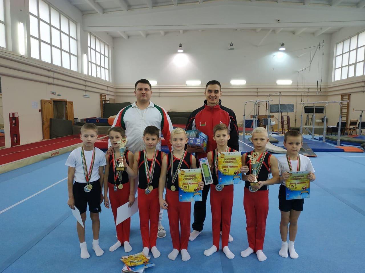 Могилевские гимнасты завоевали медали нареспубликанских соревнованиях «Юный чемпион»