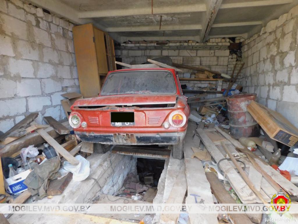 Могилевчанин поселился вчужом гараже ираспродавал находящееся там имущество