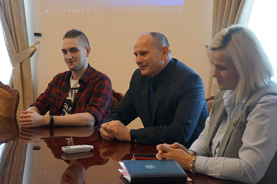 Вмогилевском БРУ коДню единения народов Беларуси иРоссии провели открытый диалог «Мыразам!»