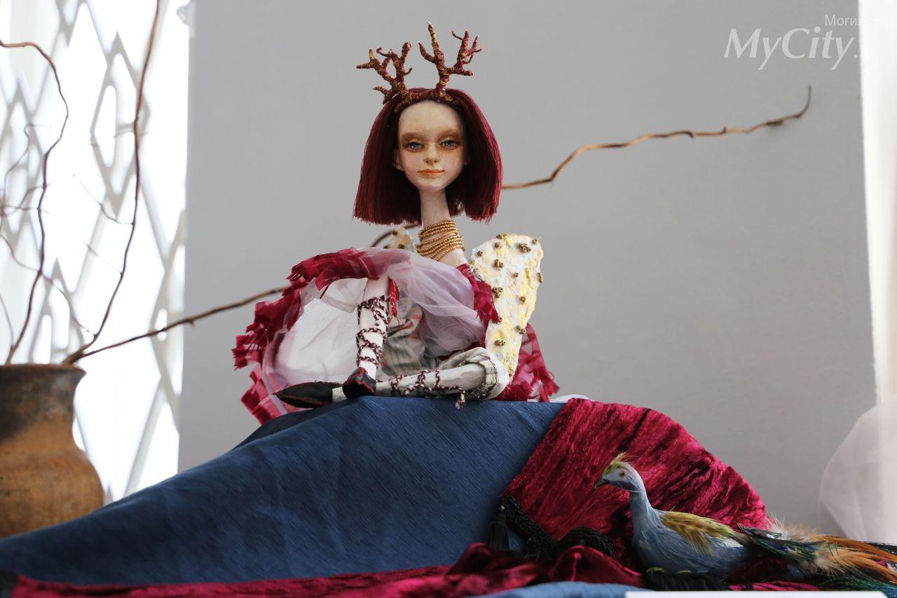 Выставка авторской куклы «Забава»
