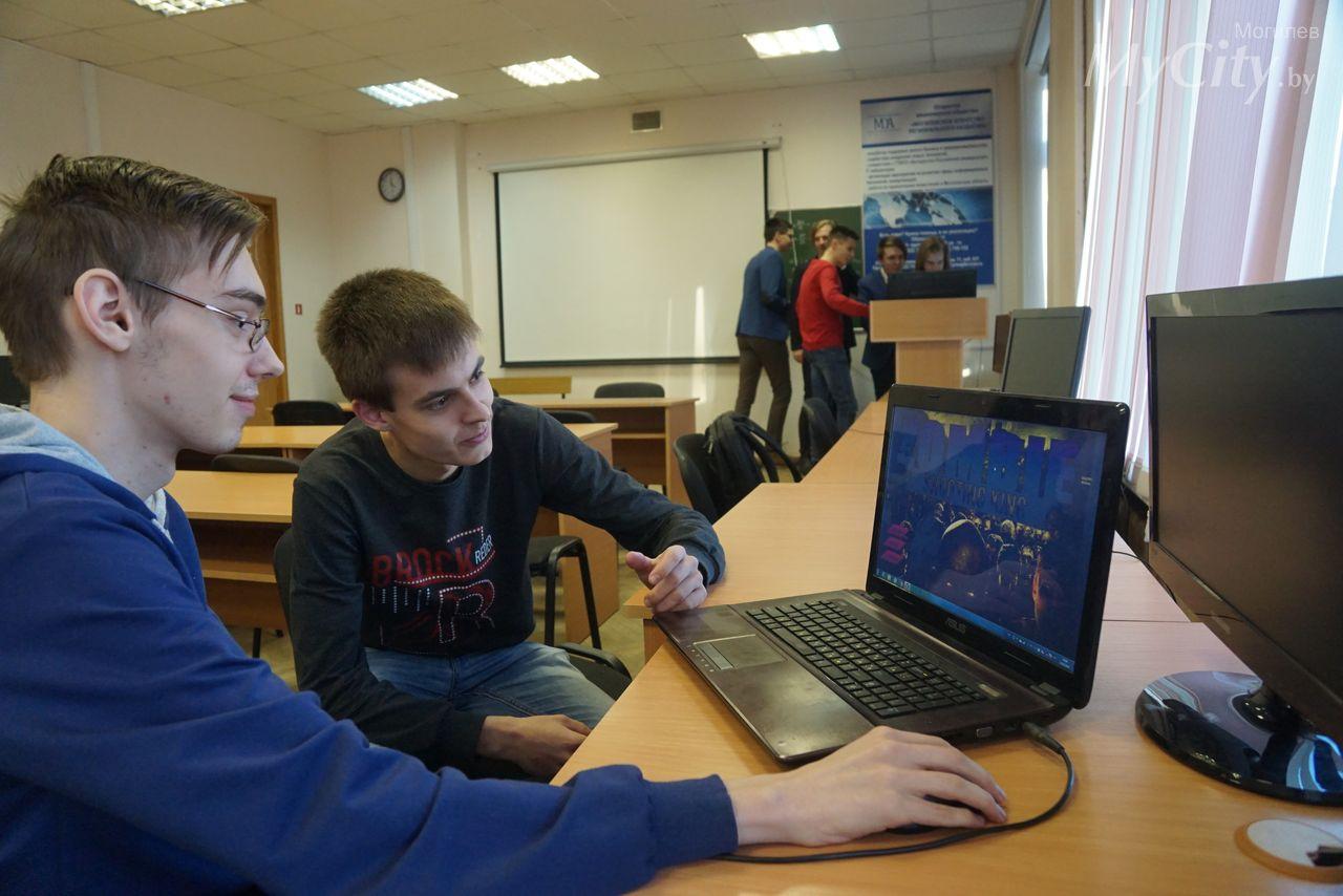 Первый выпуск разработчиков компьютерных игр прошел вIT-лаборатории могилевского БРУ