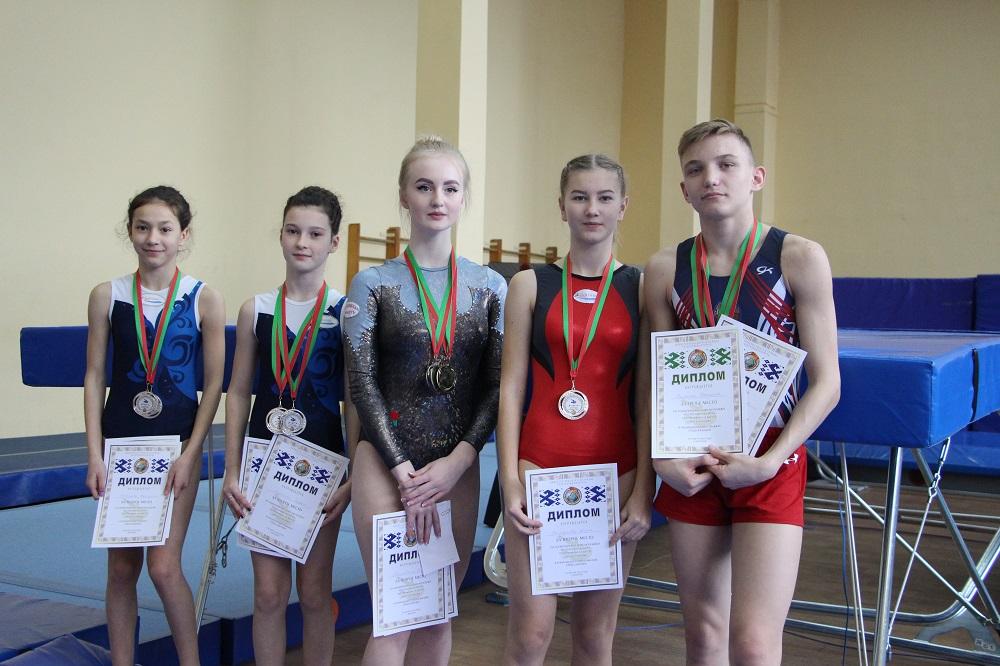 Могилевские спортсмены завоевали медали различных достоинств наОДМ попрыжкам набатуте