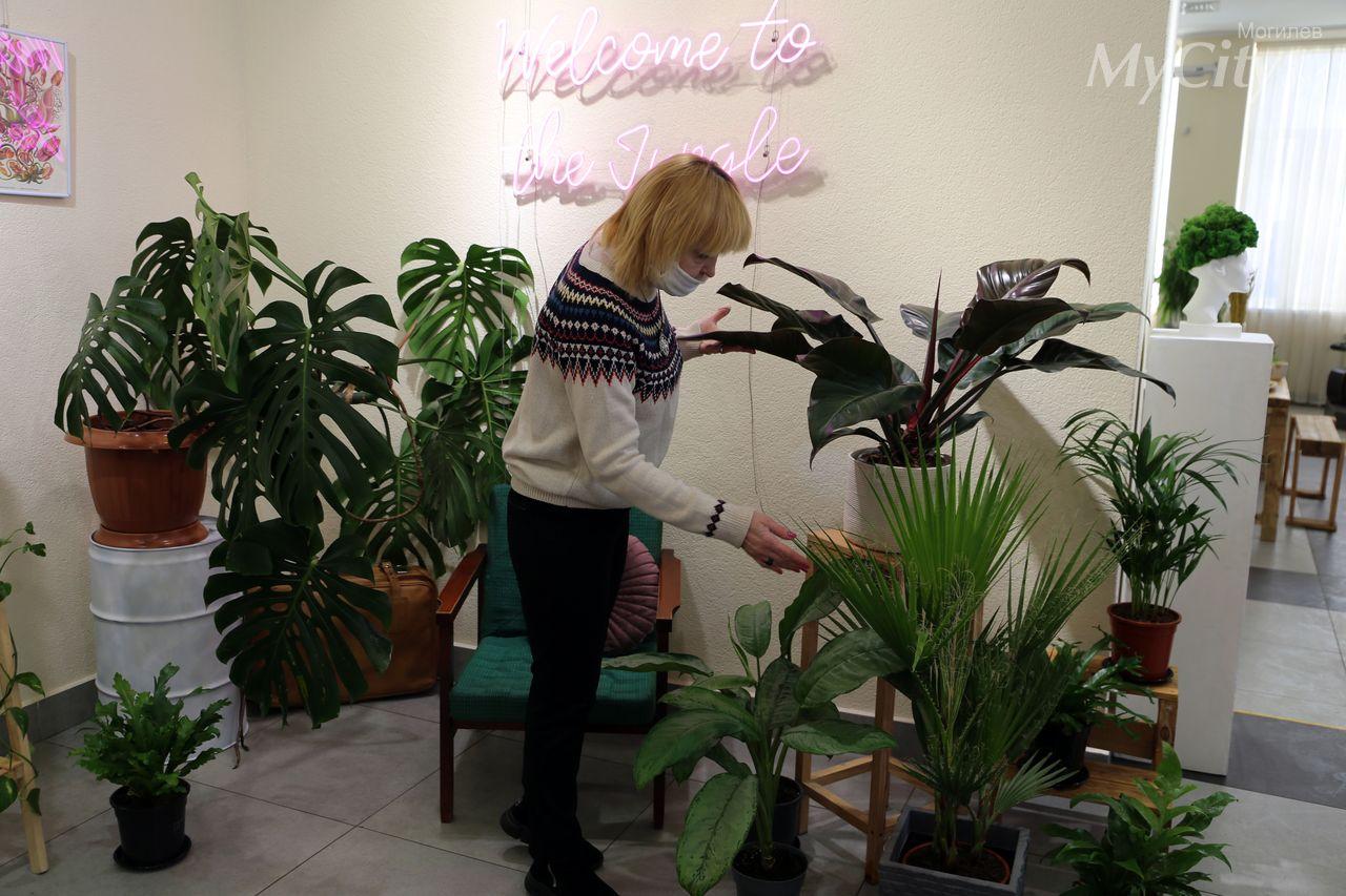 ВВыставочном зале Могилева начал работу проект «Весна, цветы имногое другое...»