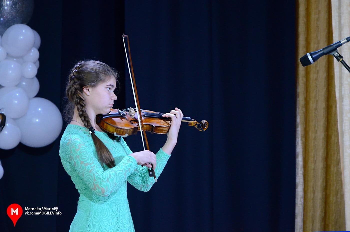 Гран-при театрально-инструментального этапа «Звездочёт ART»— умогилёвской скрипачки