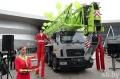 Cамый крупный в Беларуси автокран, собранный в Могилёве, показали в Минске